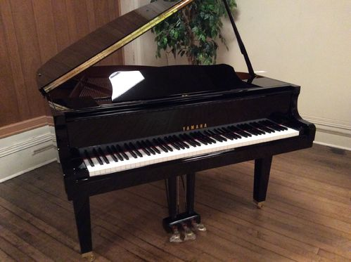 Yamaha Grand Piano GB1 PE 5'